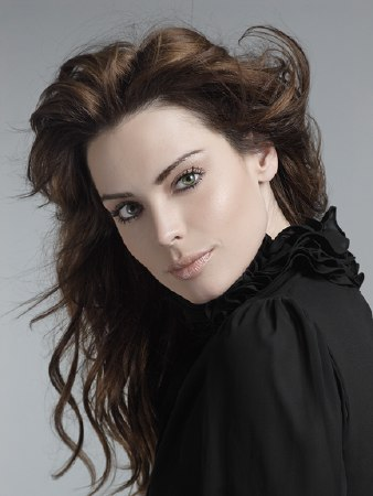 Yoanna House Contact Info ( Phone Number, Social Media Verified Accounts) | Profile Info